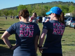 Jen and Jen in our matching shirts and non-chafing capris. My mountain-conquering thighs rejoice!